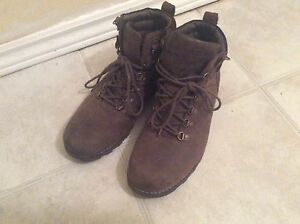 Wind river suede boots, NOT STEEL TOES.  Men Size 9.