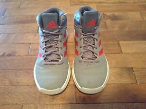 NEW ADIDAS  BASKETBALL SHOES SIZE 6