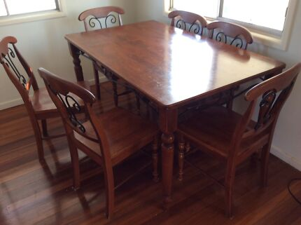 Pine Dining Table And Chairs Set