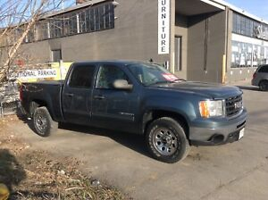 2010 GMC Sierra 1500 crew cab 4 x 4  One owner certified