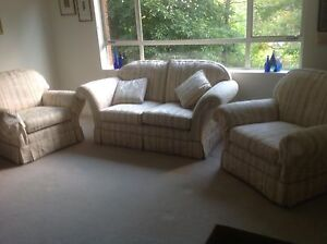 Well looked after Couch and 2 sofa chairs. Roseville Ku-ring-gai Area Preview