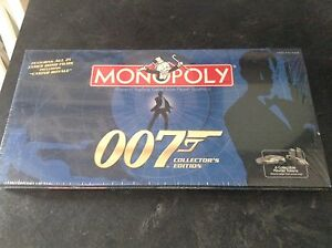 007/ Looney Tunes monopoly collector sets new sealed, one used