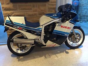 SUZUKI GSXR750 F 1985 IMMACULATE RESTORATION Sandy Bay Hobart City Preview
