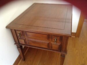 Coffee. End table, night stand, good conditions,