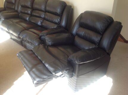 Black Leather Lounge Suite
