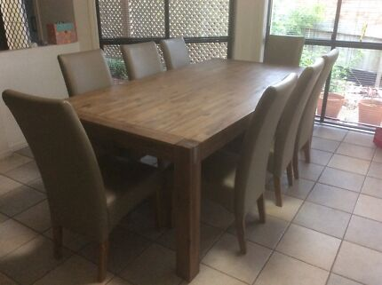 9 PIECE DINING SUITE