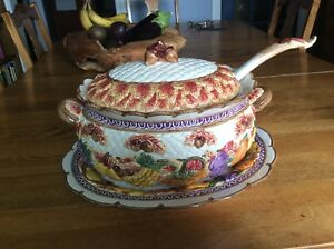 Soup Tureen by Fitz & floyd