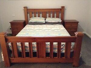 Queen size timber bed suite Bulli Wollongong Area Preview