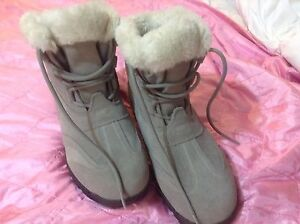 Sorel boots excellent/ new condition