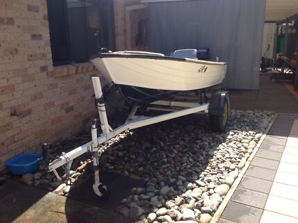 Awesome Bay Boat, 12ft tinnie, motor & trailer. Anna Bay Port Stephens Area Preview