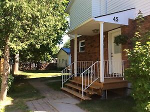 SEMI-DETACHED HOUSE FOR RENT IN SIMCOE