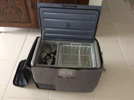 LUMIK Portable Freezer/Fridge 45L 12V/240V