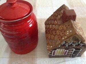 Jarre a biscuits / maison en pain d'épices / céramique / poterie