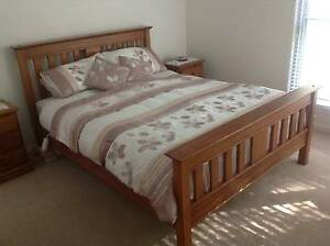 Queen Colonial Timber Bed Forest Glen Maroochydore Area Preview