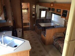 2003 5th wheel keystone mako