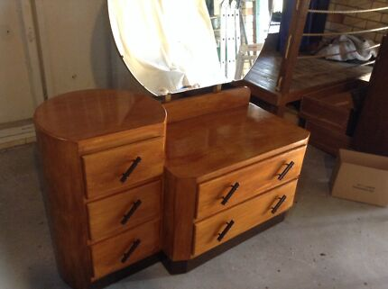 Old dresser Strathpine Pine Rivers Area Preview