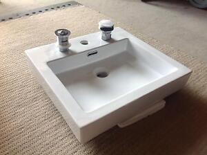 Above counter bathroom basin - 485x440x80 - brand new in box Engadine Sutherland Area Preview