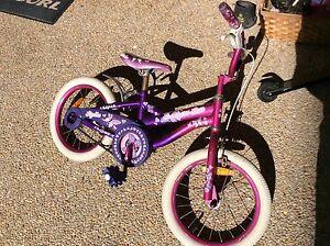 "Girls bike 16"" Floraville Lake Macquarie Area Preview"