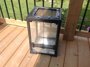 Working Repti-Fit Glass Cage With Light Small Reptile Animals