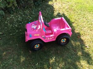 Barbie Power Jeep (6V) - excellent condition