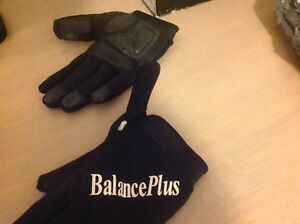 Woman's curling gloves.