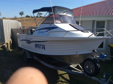 SELLING QUINTREX 530 freestyler half cabin Gladstone Gladstone City Preview