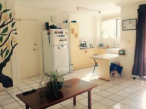 SHORT TERM bedroom near the strand and city North Ward Townsville City Preview