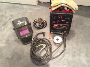 Lincoln SP-135T Wire/MIG 120V Welder