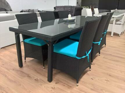 Quick Delivery 6 Seat Outdoor Wicker Dining Setting Table Chairs
