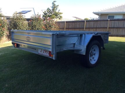 7 x 5 Hot dipped galvenised trailer near new. Yamanto Ipswich City Preview