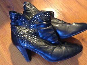 Size 10 ladies booties