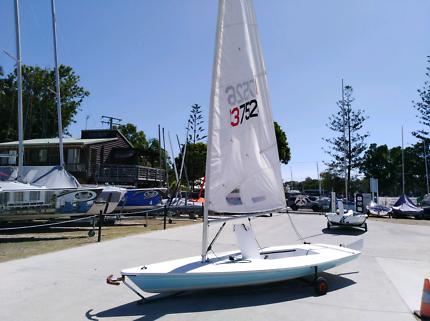 Laser Sailboat 137526 full rig