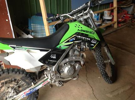 Kawasak dirt bike KLX 140