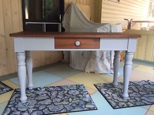 Newly Refinished Sofa Table/Buffet Table/Entrance Table