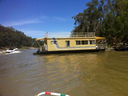 Houseboat with Mooring