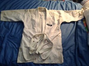 MMA, Karate , Gi , adult large , 40 to 46 jacket , exl cond