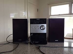 CD Player + Speakers Doncaster Manningham Area Preview