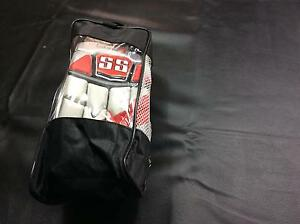 Cricket batting gloves Craigmore Playford Area Preview