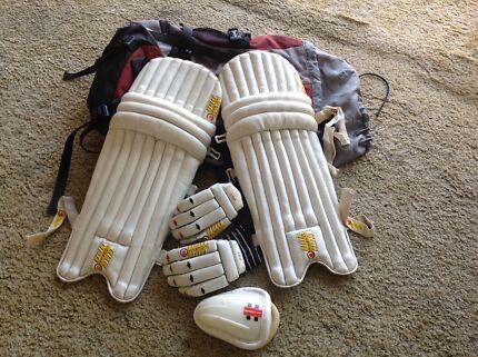 Cricket Gear- Trek 45 bag, pads, gloves, box