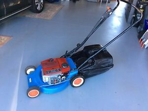 Victa Lawn Mower Flinders Shellharbour Area Preview