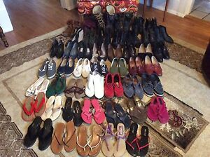 47 pairs of ladies size 6 footwear $10 entire lot