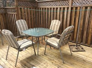 MOVING OUT SALE // Set of outdoor chairs and a table *Price Drop