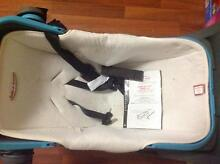 Safe n Sound baby capsule Tanah Merah Logan Area Preview