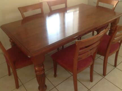 Matching Dining Table And Lounge Suit