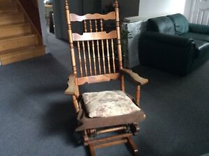 Chaise berçante sur billes
