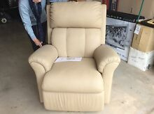Recliner/massage chair Dover Gardens Marion Area Preview