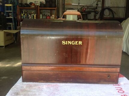 Singer sewing machine Mooloolah Valley Caloundra Area Preview