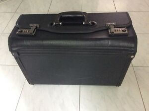 ***** Valise  porte-documents *****
