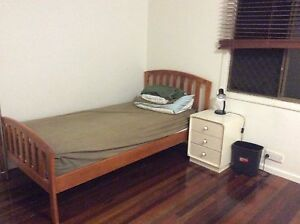 Southport - Large single Room Southport Gold Coast City Preview