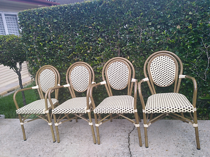 Outdoor chairs x 4